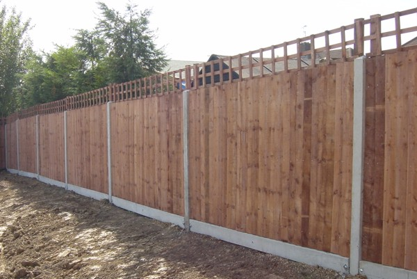 Close Boarded Garden Fencing Basildon, Essex Fencing