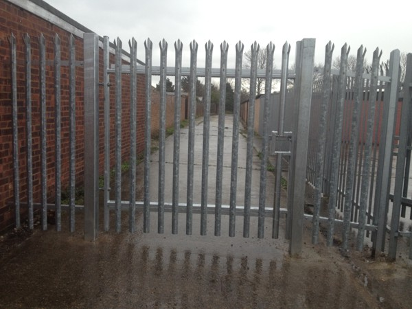 Palisade Fencing Hornchurch Essex