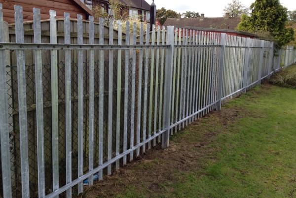 Palisade security fencing ockendon essex