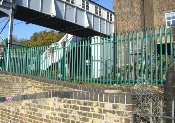 Palisade Fencing, Security Fencing Chalkwell, Industrial Fencing